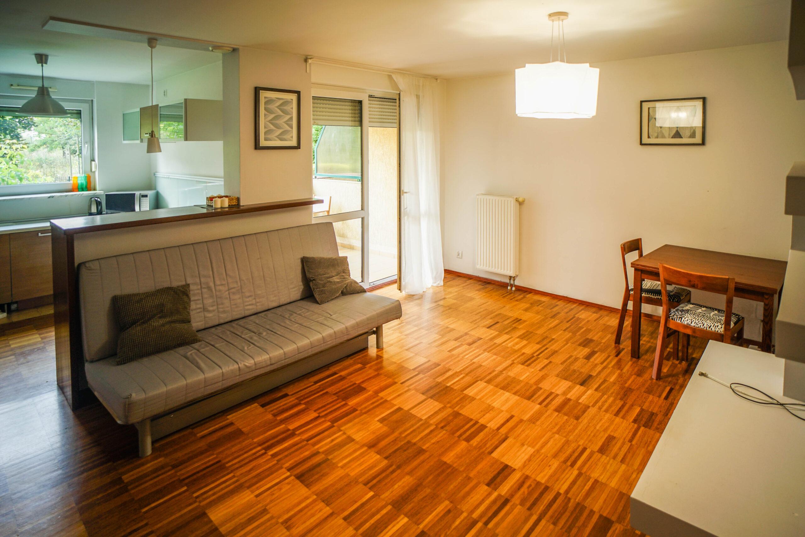 Dwupokojowe mieszkanie – Klecina